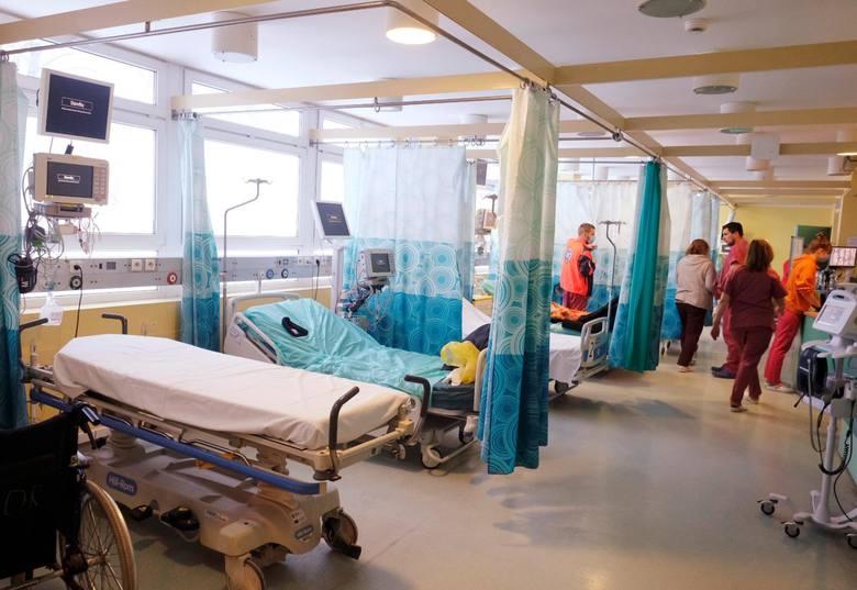 Koronawirus w województwie śląskim. W sobotę, 20 marca, wykryto u nas 3600 nowych przypadków. Sprawdź liczbę zakażeń w twoim mieście lub powiecie. Przesuń