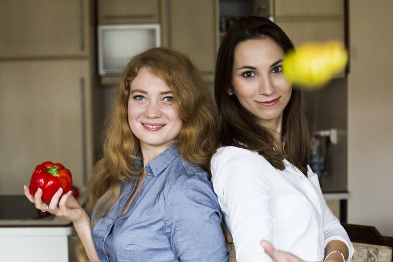 Katarzyna Cybulska (z lewej) - dyplomowany dietetyk Collegium Medicum UJ. Swoją wiedzę pogłębia kontynuując studia magisterskie na Warszawskim Uniwersytecie
