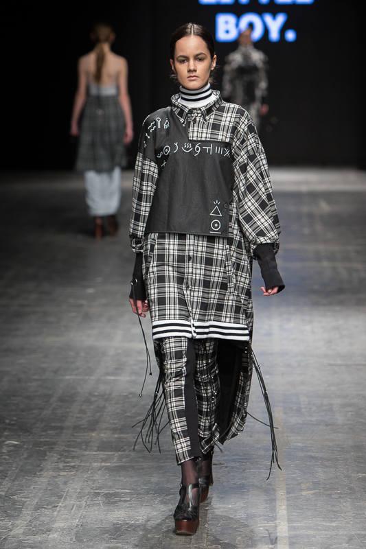 Fashion Week 2016 w Łodzi. Off Out Of Schedule: Girl Little Boy [ZDJĘCIA]