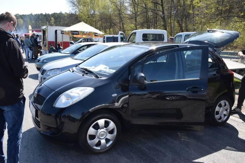 Niedziela 9 maja na giełdzie w Miedzianej Górze była jeśli chodzi o ilość oferowanych aut rekordowa. Wybór samochodów był wyjątkowo duży, rozpiętość