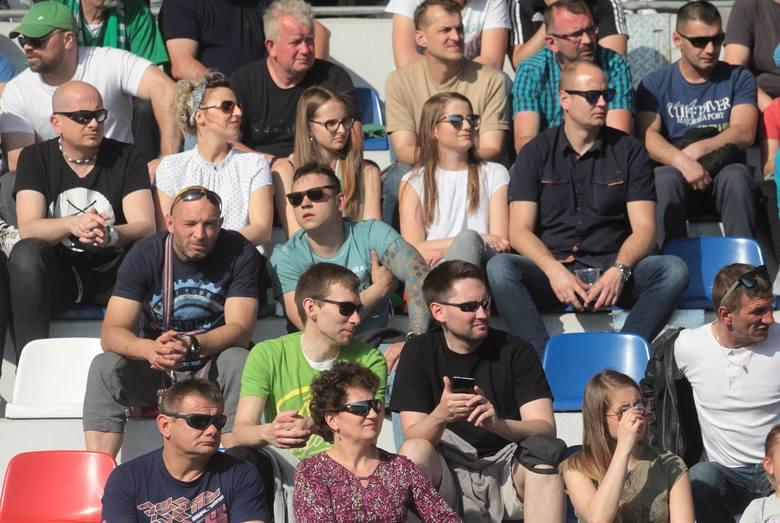 Piłkarze Radomiaka Radom zremisowali u siebie ze Stalą Stalowa Wola 2:2 w meczu 27. kolejki drugiej ligi. Mecz z trybun oglądało 2503 kibiców. Znajdź