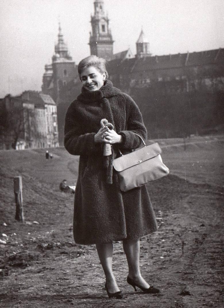Rozpoczęła studia w Gdańsku, później przeniosła się do Krakowa, gdzie mieszkała do śmierci