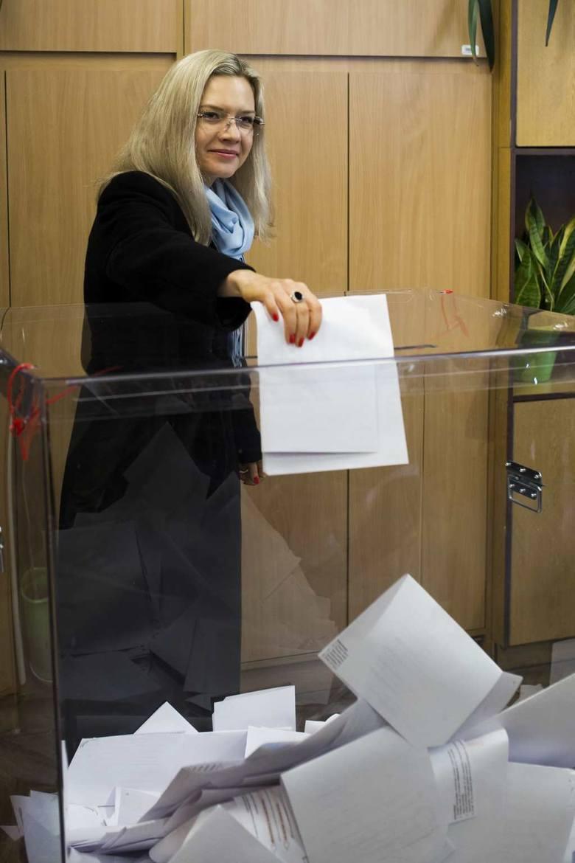 BĄDŹ NA BIEŻĄCO. SPRAWDŹ! Wybory samorządowe 2018 w Krakowie i Małopolsce NA ŻYWO. Wyniki wyborów, frekwencja, komentarze [RELACJA LIVE]