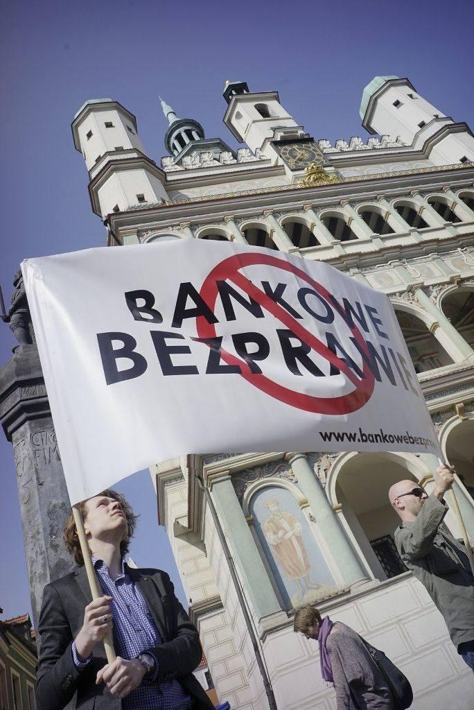 """Poznań: Protest """"frankowiczów"""" przeciwko bankowemu bezprawiu"""