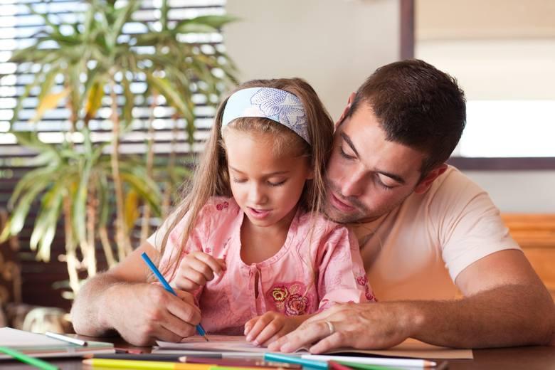 ŻYCZENIA NA DZIEŃ OJCA, KRÓTKIE ŻYCZENIA DLA TATY, TRADYCYJNE ŻYCZENIA Z OKAZJI DNIA TATY. 23 czerwca przypada Dzień Ojca.