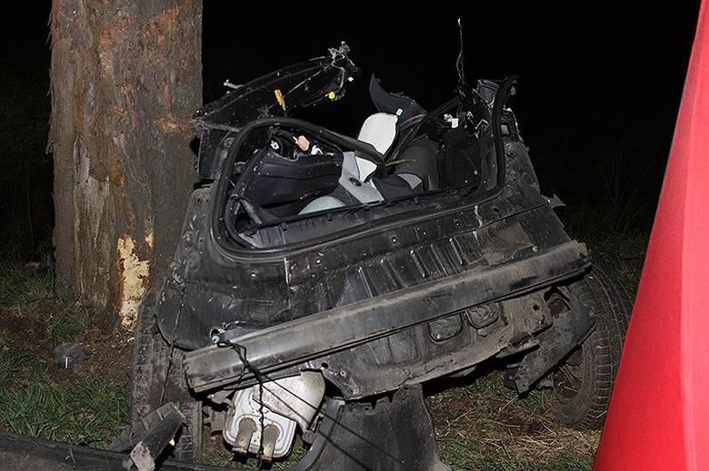 Tragiczny wypadek na drodze wojewódzkiej 175 w powiecie choszczeńskim. Zginęły trzy osoby