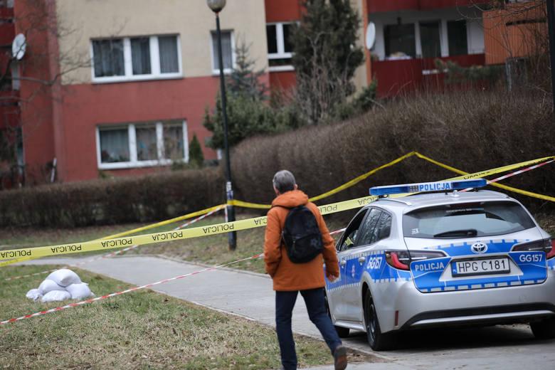 Kraków. W parku znaleziono radziecki granat. Policja zabezpieczyła teren [ZDJĘCIA]