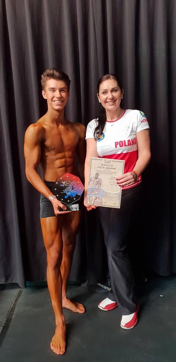 Dominik Jewiak czwarty na mistrzostwach Europy w kulturystyce. To sukces 17-latka z Ostrowca [ZDJĘCIA]