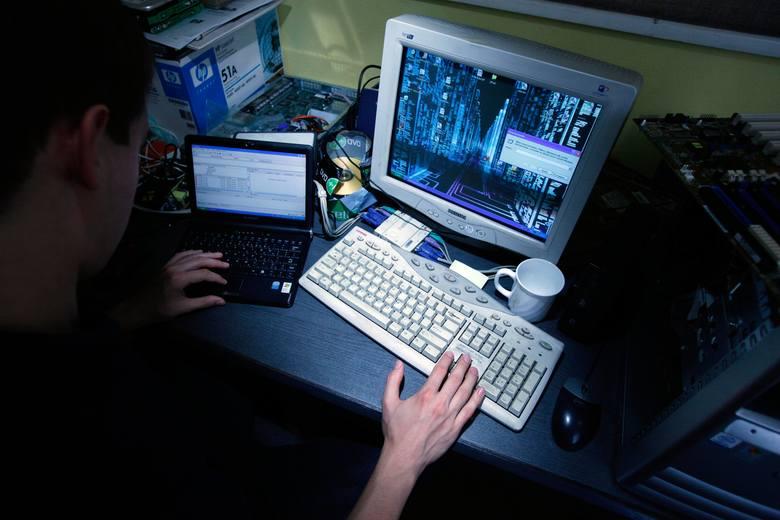 Uważaj! Twoje konto na Facebooku mogą przejąć hakerzy!