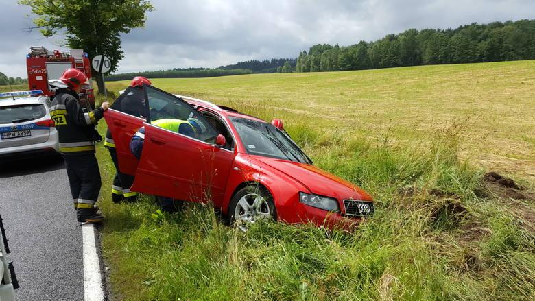 Śmigłowiec ratowniczy musiał zabierać kobietę poszkodowaną w wypadku koło Jelenina w gminie Szczecinek. Do wypadku doszło w niedzielę na odcinku krajowej