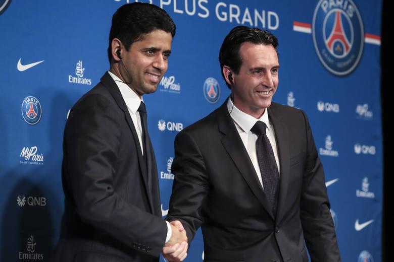 Trener Unai Emery (z prawej) i prezes PSG Nasser al-Khelaifi na pierwszej konferencji prasowej