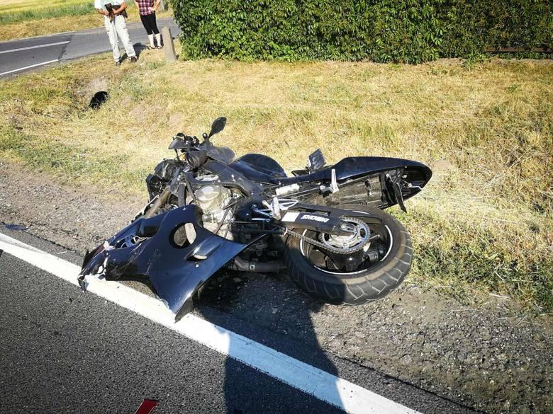 Do zdarzenia doszło na Drodze Krajowej nr 55 w miejscowości Ruda pod Grudziądzem. Zderzył się samochód osobowy i motocykl.