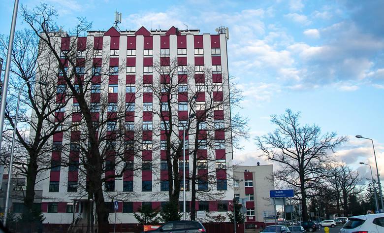 Koronawirus w Tarnobrzegu. Wojewódzki Szpital w piątek wstrzymał przyjęcia pacjentów