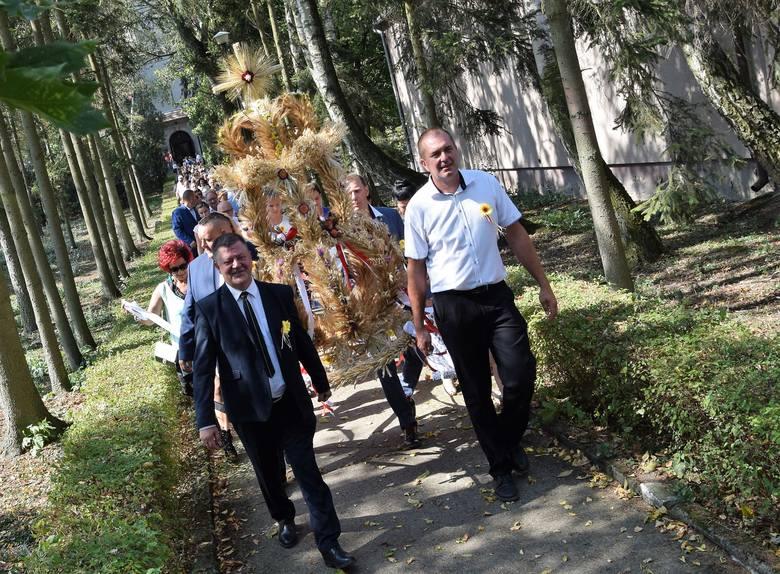Tegoroczne dożynki gminy Janikowo odbyły się 1 września w Kołodziejewie. Tradycyjnie obchody święta plonów rozpoczęła masz św. dziękczynna w kościele
