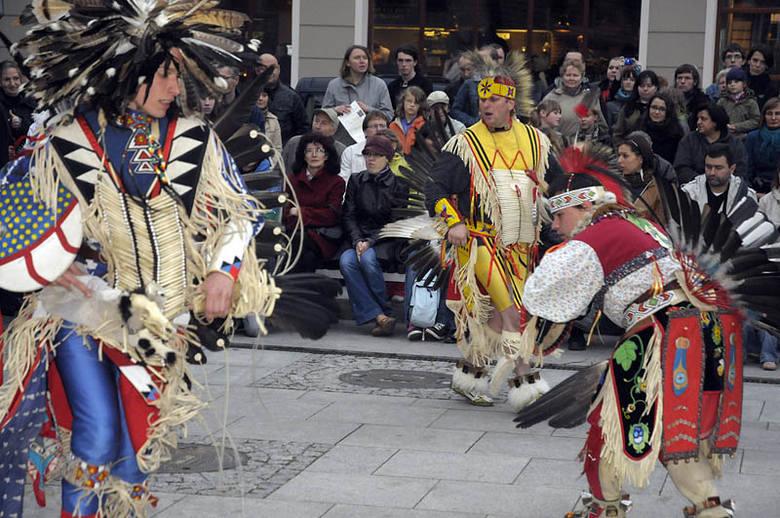 Tańce Indian-Noc Muzeów