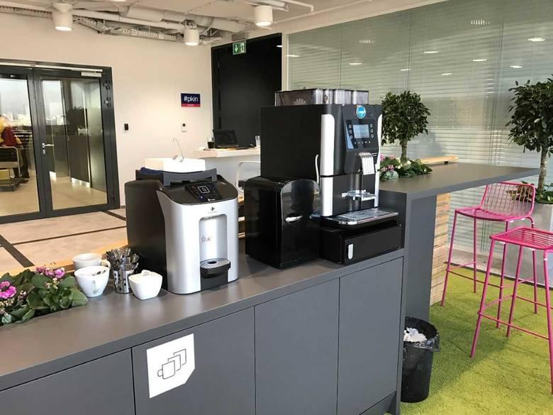 Boom na wodę i kawę z automatów. Nowe kontrakty Ideal Group