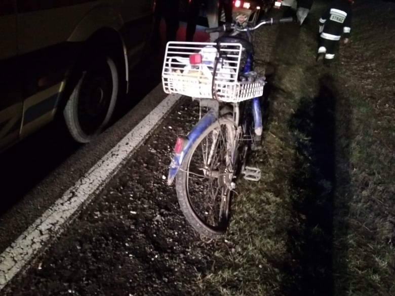 W piątek przed godz. 19 doszło do wypadku na drodze krajowej nr 21. Niedaleko Objezierza kierowca ciężarówki potrącił rowerzystę. Na miejscu była karetka,