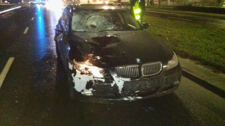 Do tragedii doszło wczoraj 29.12 około godz. 19 w Toruniu przy ul. Grudziądzkiej.- 52 -letnia matka z 18-letnią córką przechodzące przez przejście dla