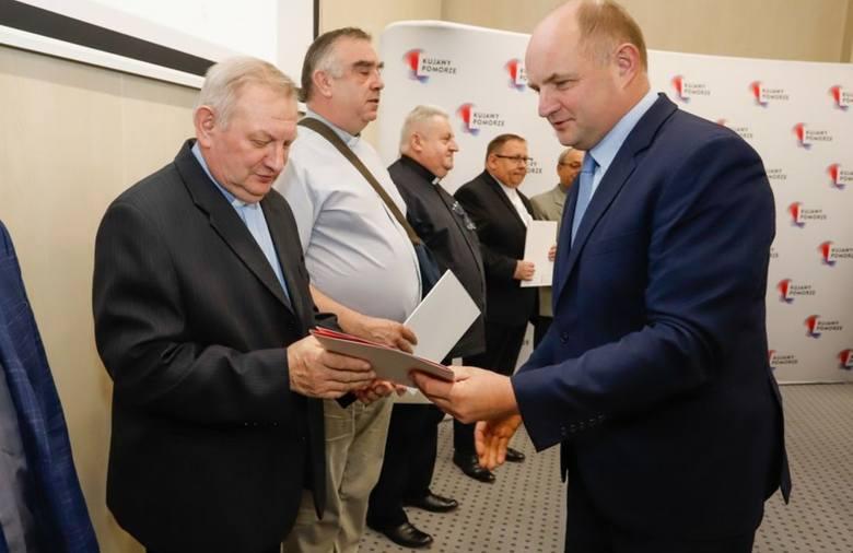 Kilka dni temu w Urzędzie Marszałkowskim w Toruniu zostały podpisane umowy na dotacje konserwatorskie. W tym roku zabytkom na odsiecz popłynęło 19,5