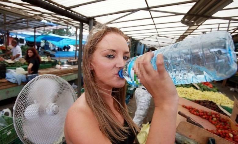 Kliknij na następne zdjęcie i sprawdź, czy pijesz wystraczająco dużo  wody