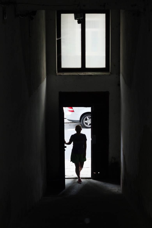 Wyjście ze schodów na ulicę Górną.