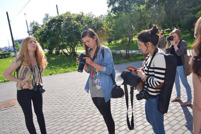 Młodzi słupscy artyści fotografują i malują w Rosji