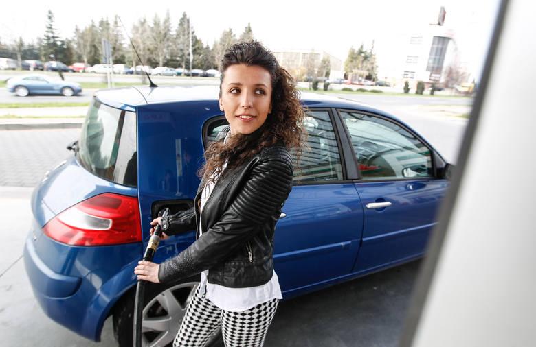 Aktualne ceny paliw w regionie (notowanie z 25.03). Podane ceny to kolejno: benzyna Pb95, diesel i gaz LPG.DĘBICAAuto-Wit, ul. Wiejska3,97 zł4,07 zł1,84