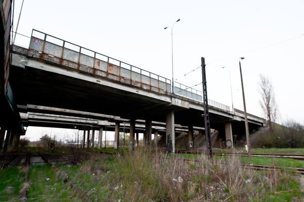 Do tragedii doszło na bocznicy kolejowej przy wiadukcie na ul. Dąbrowskiego.