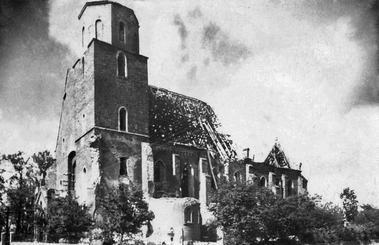 Kościół pw. Świętych Apostołów Filipa i Jakuba położony niedaleko żorskiego rynku został prawie całkowicie spalony. Płonąca wieża była widoczna z da