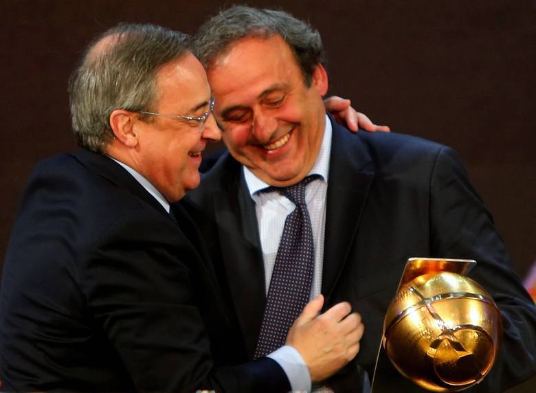 Michel Platini (z prawej - obok prezydent Realu Madryt Florentino Perez) zdecydowanie lepiej radził sobie jako działacz, niż trener
