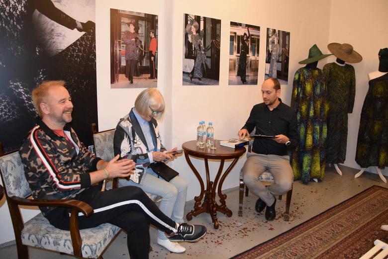 Finisaż wystawy Grażyny Hase w Dworku Konstancji Gładkowskiej w Skierniewicach [ZDJĘCIA, FILM]