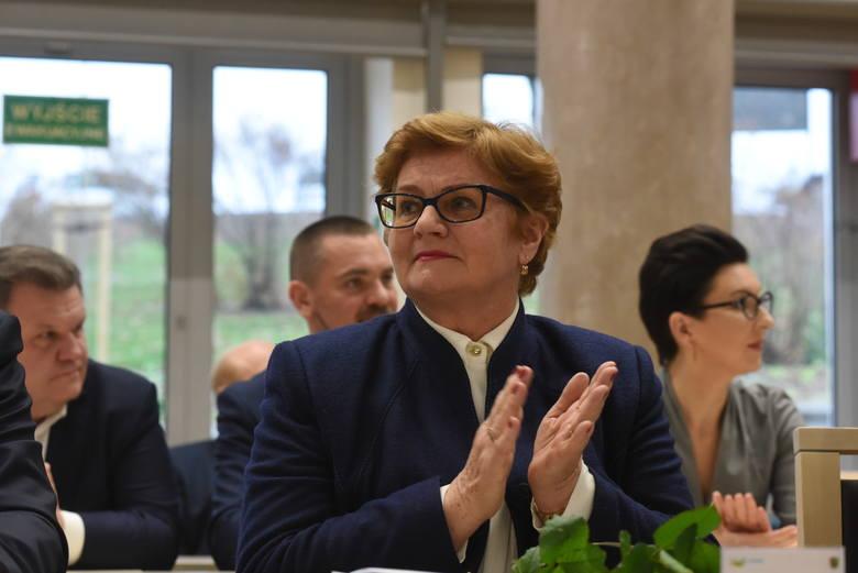 - Przejmę mandat po Elżbiecie Rafalskiej. Do ustalenia zostało tylko, jak połączyć pracę w Sejmie z prowadzeniem mojej praktyki lekarskiej - powiedziała