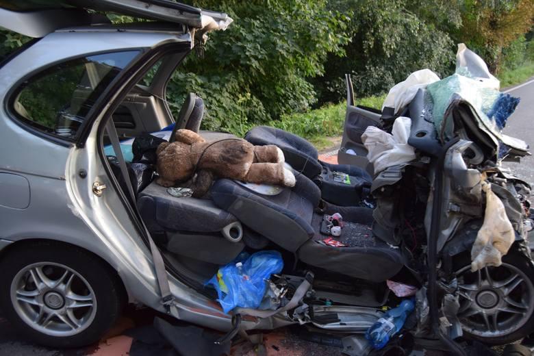 - 4-letnia dziewczynka jadąca renault, poszkodowana w niedzielnym wypadku koło Barwic, zmarła w koszalińskim szpitalu - mówi starsza sierżant Ewa Żaglewska,
