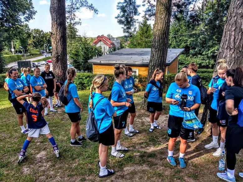 Po środowym sparingu w Kaliszu Pomorskim (0:4 z ekstraligowa Olimpią Szczecin) zespół beniaminka ekstraligi, KKP Bydgoszcz, wybrał się w czwartek na