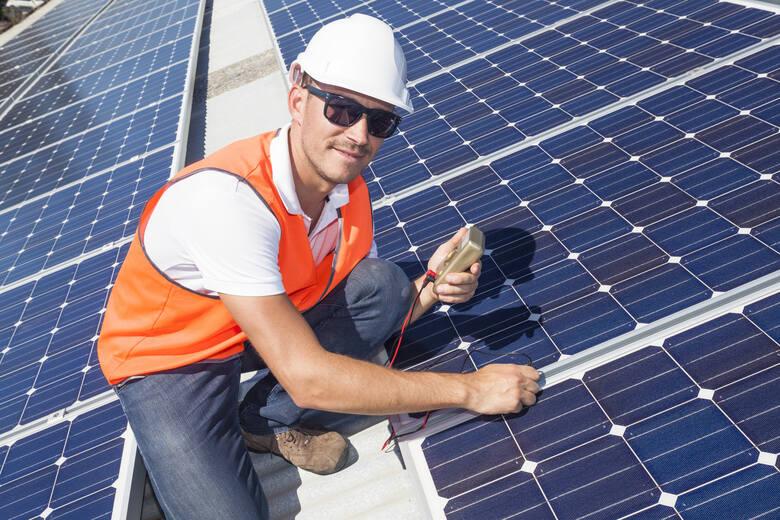 Montaż instalacji fotowoltaicznych to nie tylko oszczędności, ale i zapobieganie powstawaniu lub ograniczenie emisji zanieczyszczeń