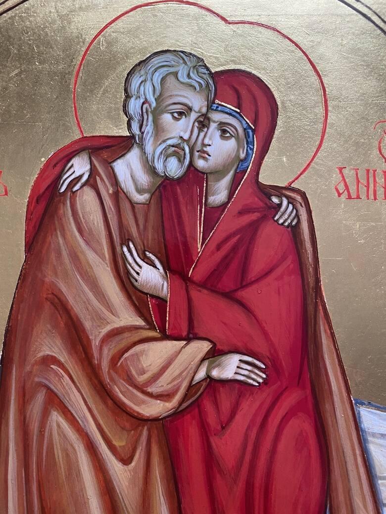 Twarze świętych nie mają też wyrażać emocji. Za to spokój, który z nich bije, ma skłaniać wiernych do modlitwy i wyciszenia