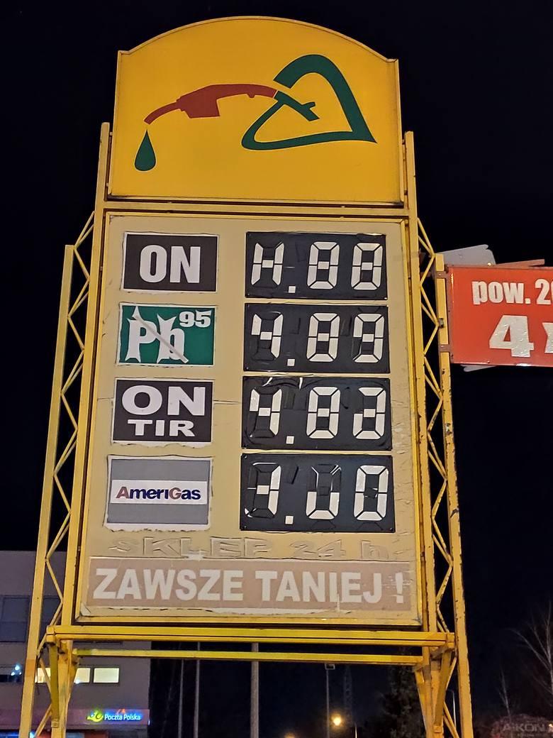 Stacja paliw znajdująca się na zielonogórskiej giełdzie.