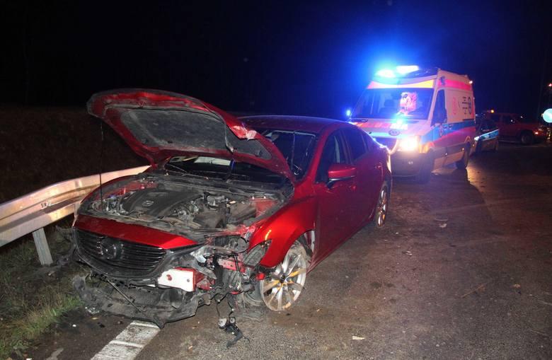 Kolejny wypadek na rondzie w Cedzynie. Tym razem nieszczęście spotkało kierowcę mazdy z Sochaczewa. Zdarzenie miało miejsce w czwartek, 15 listopada,