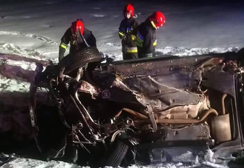 W niedzielę, około godz. 1.40, na drodze krajowej nr osiem doszło do wypadku.