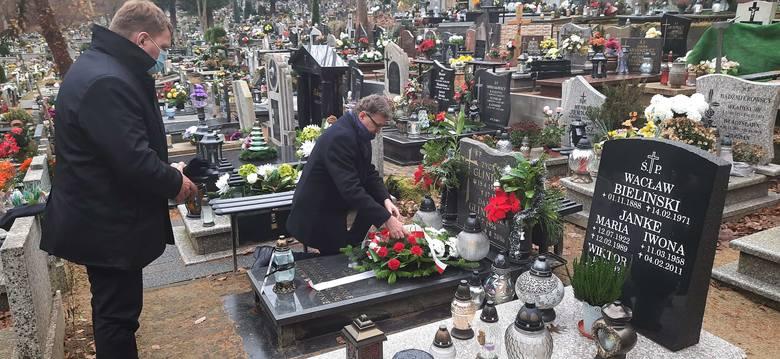 50. rocznica czarnego czwartku w Gdyni. Obchody tragicznych wydarzeń Grudnia '70. 17.12.2020 r. Wystawa, multimedialna instalacja