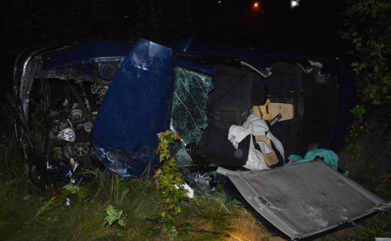 Kilka zarzutów postawiła Prokuratura Rejonowa w Lipnie 25-latce, która kilka dni temu w Steklinie, kierując volkswagenem polo wypadła z drogi i auto