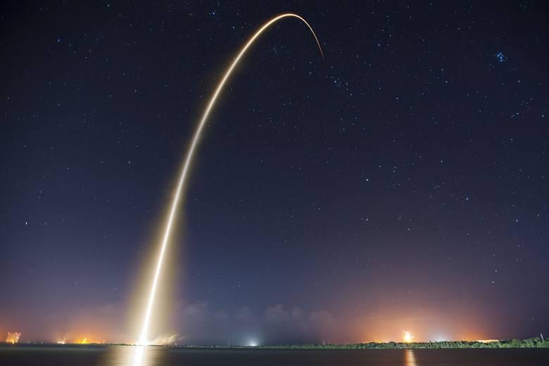 Jak informuje strona spacex.com.pl, z terenu Polski -  częściowo widoczny powinien być przelot drugiego stopnia Falcona 9 oraz 60 satelitów Starlink