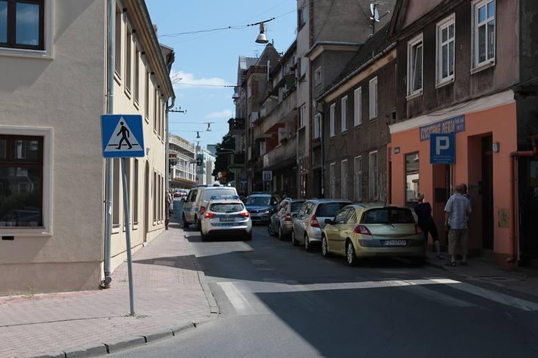 Dramatyczne sceny rozegrały się na ulicy Drzewnej w Zielonej Górze. Policja zatrzymała podejrzanego.