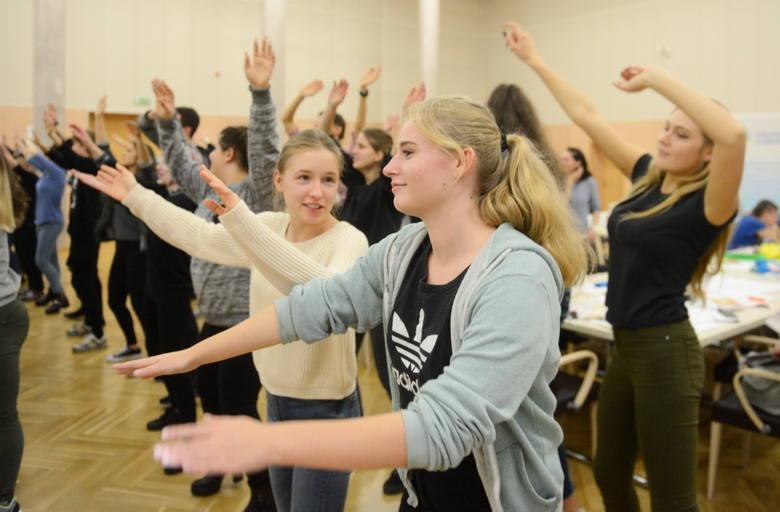 W środę, 27 września, podczas Światowego Dnia Serca w urzędzie marszałkowskim aż wrzało. Jednym z punktów był wspólny taniec wszystkich uczestników spotkania