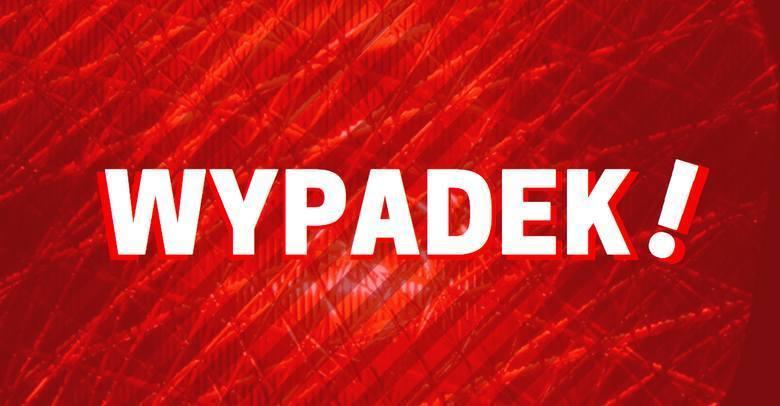 Białystok. Wypadek przy ul. Generała Maczka. Zderzyły się dwa auta osobowe. Jedno dachowało. Są ranni [ZDJĘCIA]