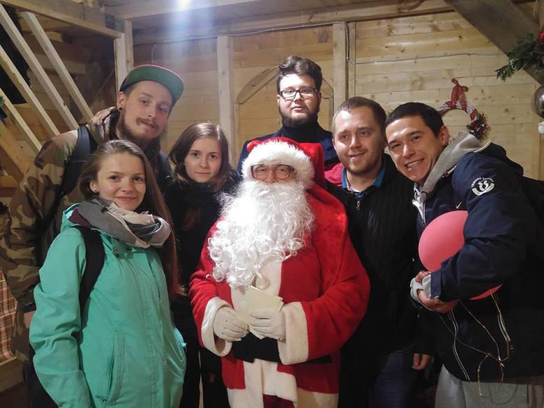"""Uczestnicy projektu """"Mobilni 2"""", a dokładniej grupy włoskiej, odwiedzili między innymi Jarmark Bożonarodzeniowy w Kalabrii"""