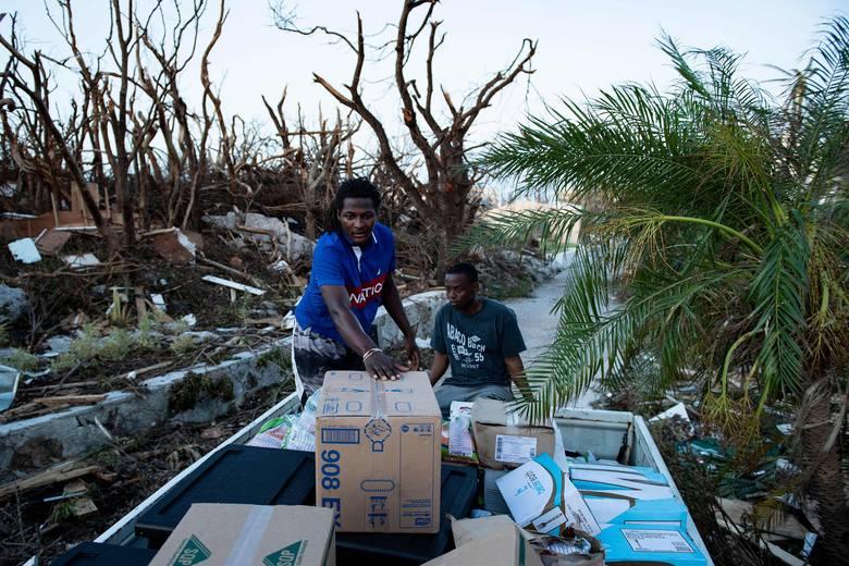 Bahamy: Huragan Dorian pozostawił po sobie ruiny miast [ZDJĘCIA] [WIDEO] Potężne zniszczenia, setki zabitych. Bezdomnych co najmniej 70 tys.