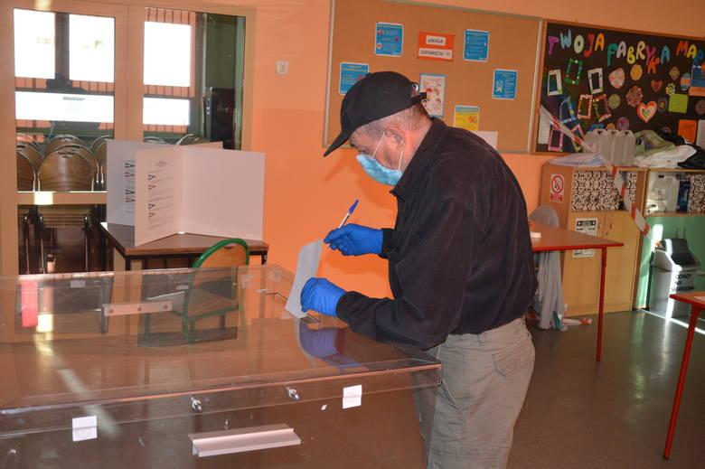 Opolanie już głosują w drugiej turze wyborów prezydenckich. Komisje zostały otwarte o godzinie 7:00