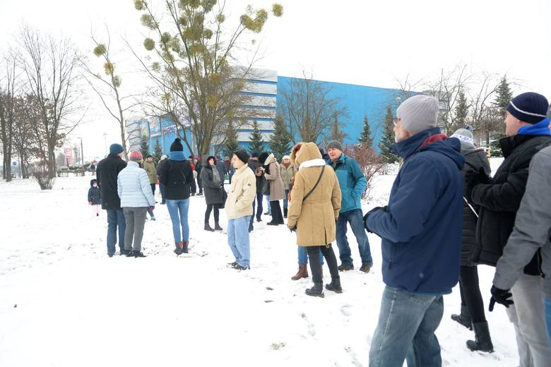 Zimowa pogoda nie powstrzymała tych, którzy kochają historię Radomia i cenią ciekawe inicjatywy. W niedzielę stowarzyszenie Droga Mleczna zaprosiło na