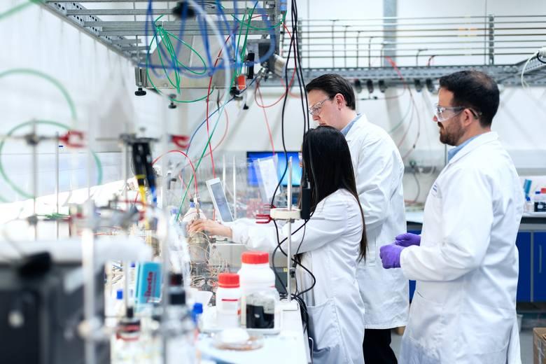- Epidemia  koronawirusa pokazała jak wielkie znaczenie dla bezpieczeństwa zdrowotnego ma silny przemysł biotechnologiczny. Jesteśmy od kilku lat zaangażowani